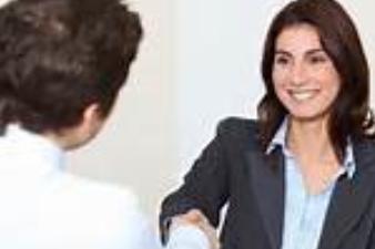 Les 4 choses à faire lors des cinq premières minutes d'un entretien d'embauche