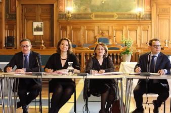 Carrefour, Unibail, la Ville de Paris signent deux nouvelles Chartes pour l'emploi et RSE