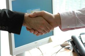Digitale Bewerbung: Handshake