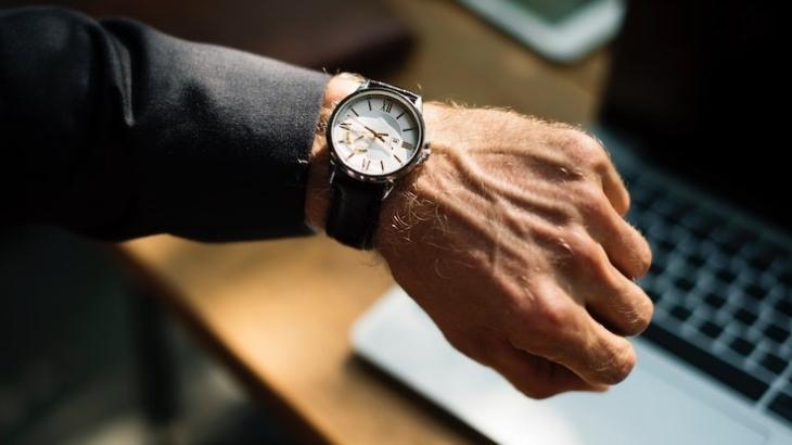 Montre poignet temps partagé