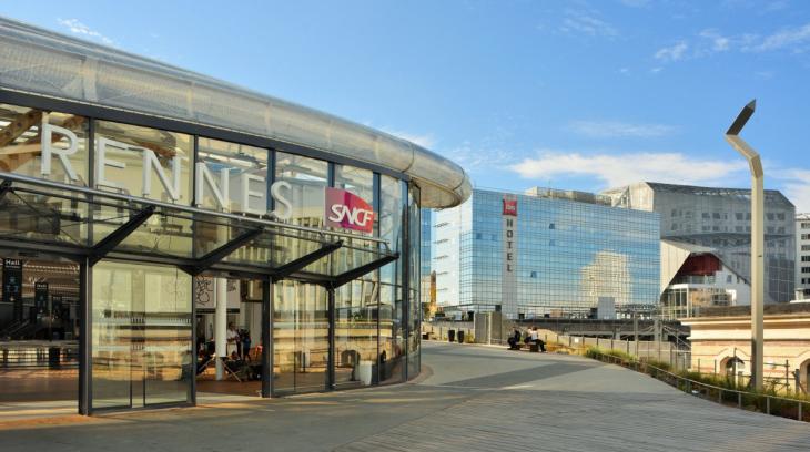 Terrasse de la gare de Rennes