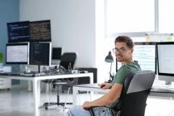 Comment choisir sa formation de développeur web ?