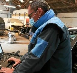 Automobile : les garagistes se forment pour rester connectés