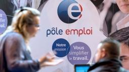 Pôle emploi recrute 2 800 personnes en CDD et CDI