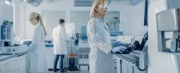 Se former aux métiers de l'industrie pharmaceutique et cosmétique